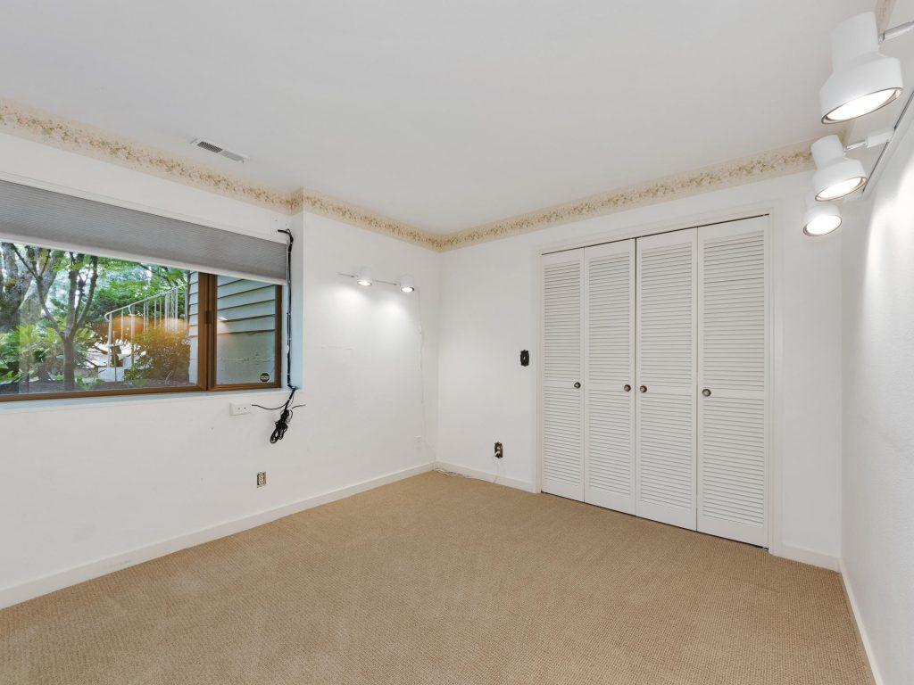 2530 SW Scenic Dr Portland OR-MLS_Size-031-11-Bedroom-1920x1440-72dpi