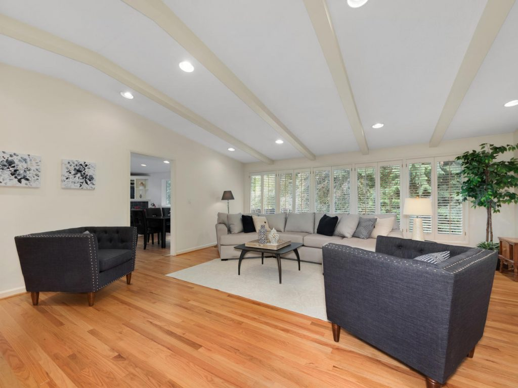 6690 SW Parkwest Ln Portland-large-003-1-Living Room-1334x1000-72dpi