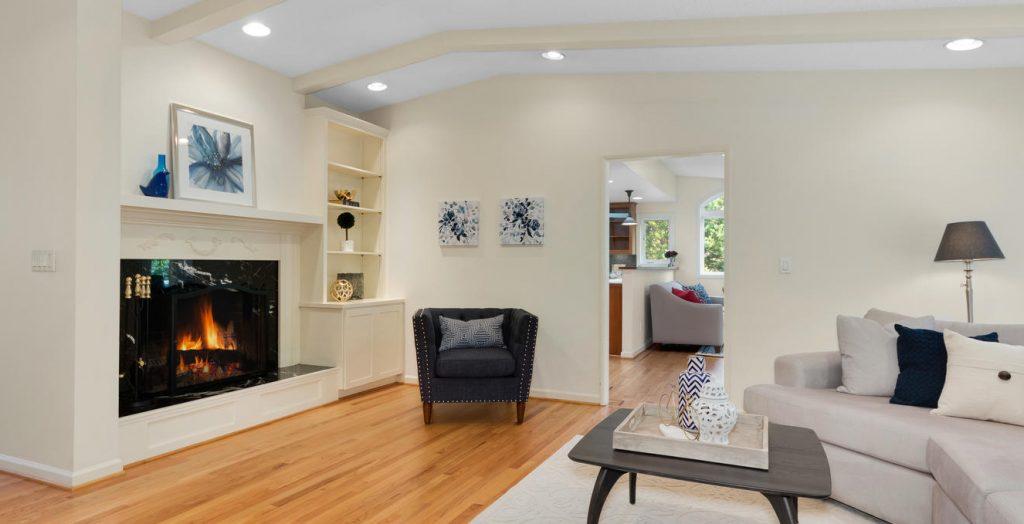 6690 SW Parkwest Ln Portland-large-004-2-Living Room-1334x1000-72dpi