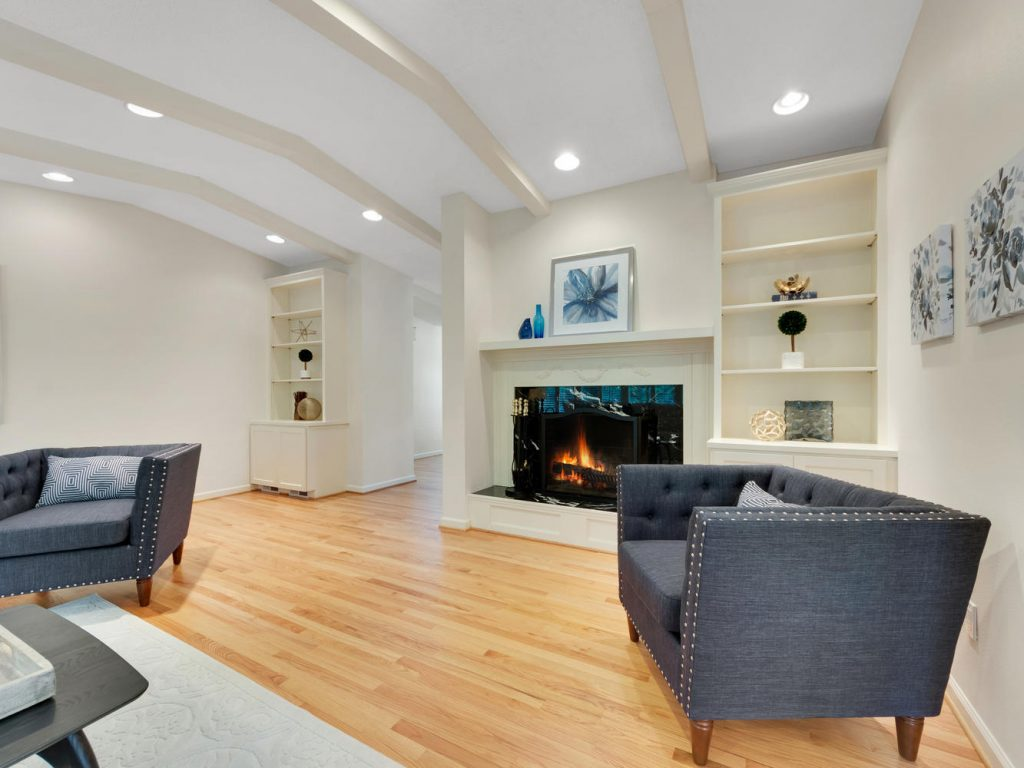 6690 SW Parkwest Ln Portland-large-005-3-Living Room-1334x1000-72dpi