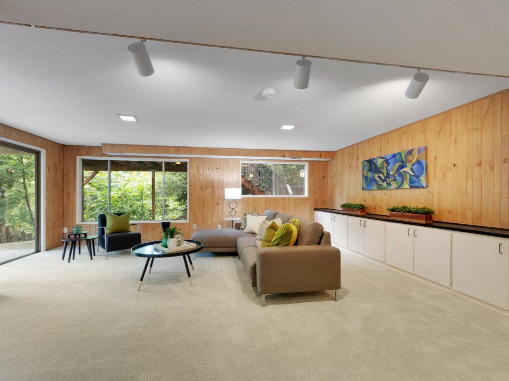 6690 SW Parkwest Ln Portland-large-014-20-Family Room-1334x1000-72dpi
