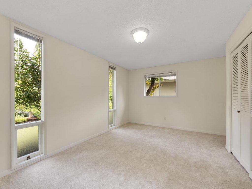 6690 SW Parkwest Ln Portland-large-017-9-Bedroom 2-1334x1000-72dpi