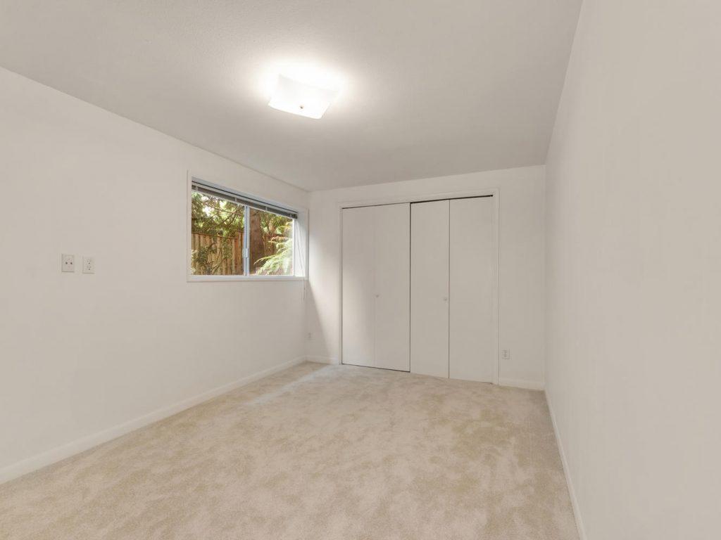 6690 SW Parkwest Ln Portland-large-022-13-Bedroom 4-1334x1000-72dpi