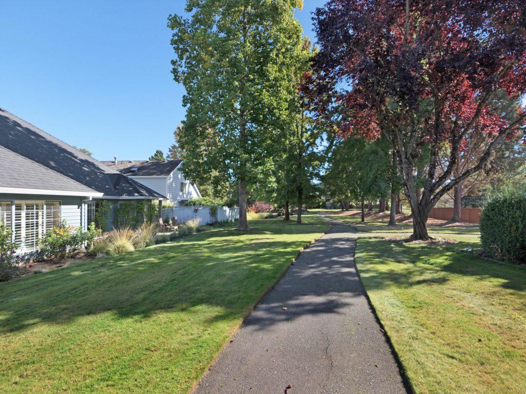 7098 SW Arranmore Way Portland-021-24-IMG 0141-MLS_Size